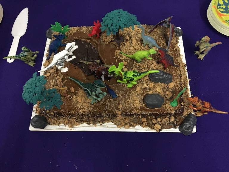 7-dinosaur cake
